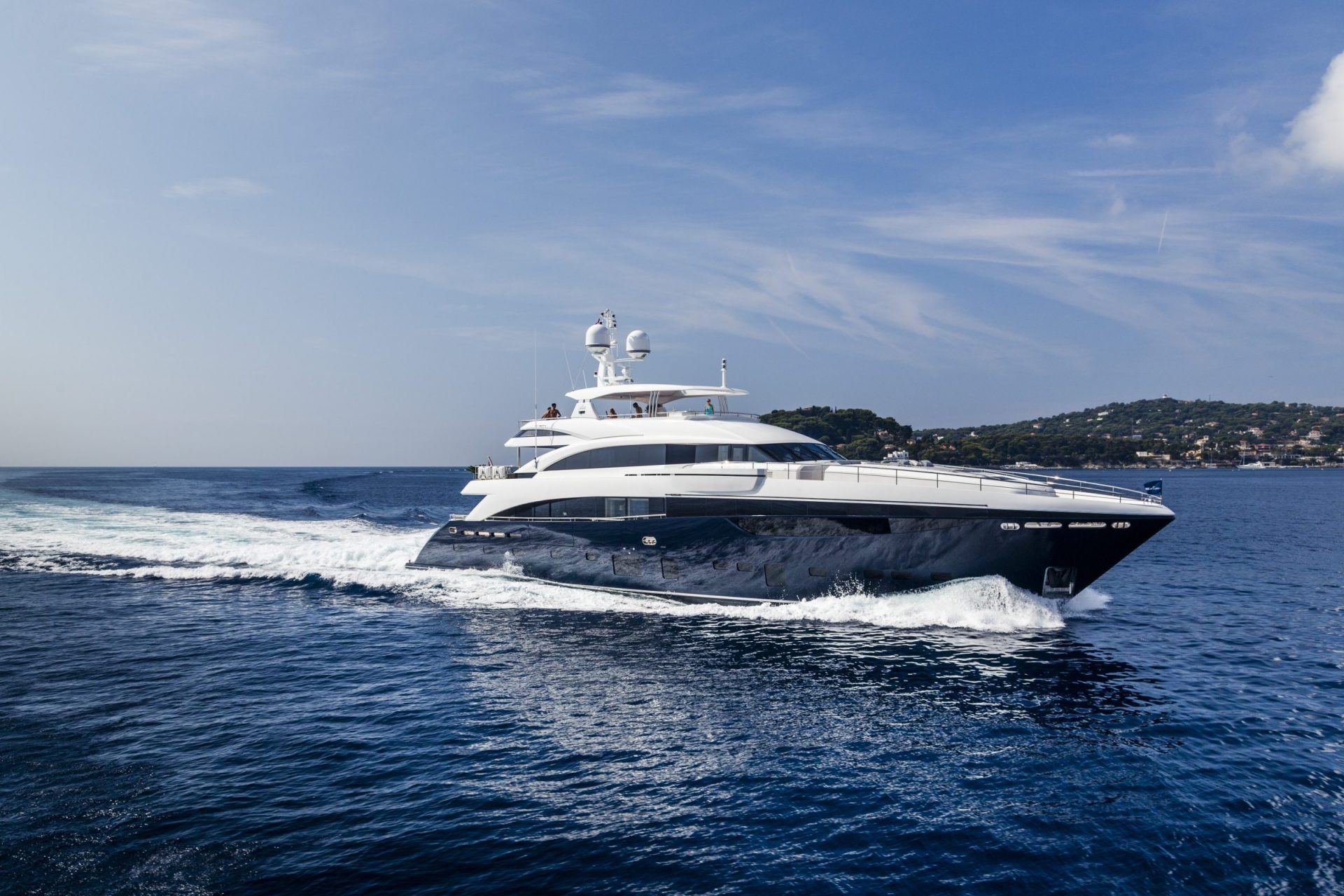 40m Princess Yachts for Sale